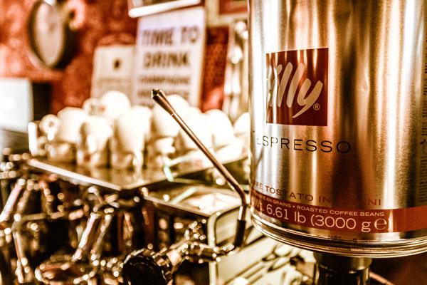 Café Stacey's serveert Illy's koffie