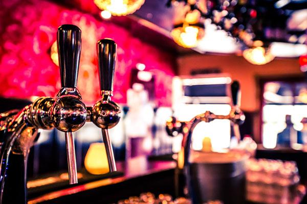 Bier van de tap bij Café Stacey's